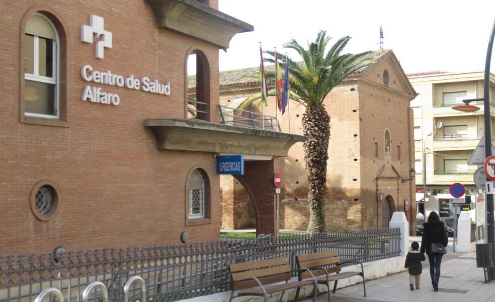 La falta de pediatras obliga a los padres de Alfaro a llevar a sus hijos a Calahorra