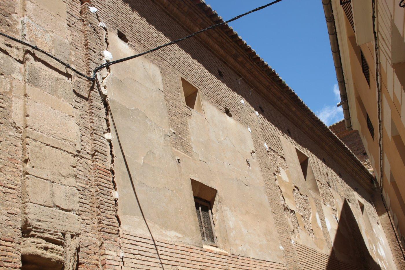 Un desplome de la pared advierte del riesgo en la iglesia de San Francisco