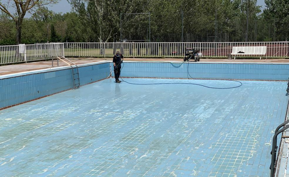 Las piscinas municipales de Santo Domingo retrasan su apertura a la próxima semana