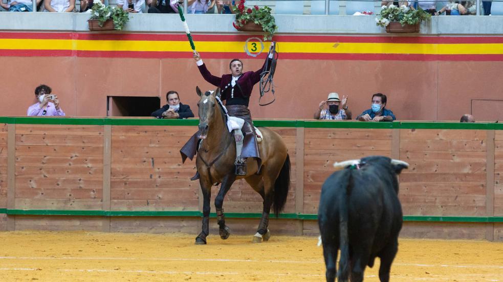 La tarde de toros de este sábado en Arnedo, en imágenes