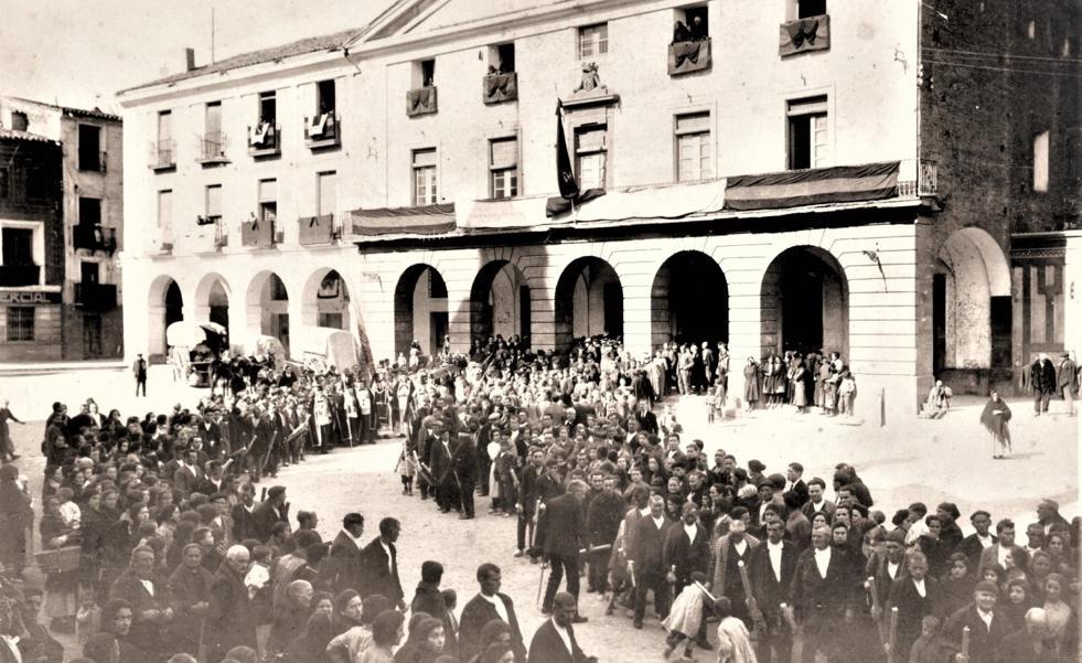Entierro del general Echagüe en Alfaro, 1924