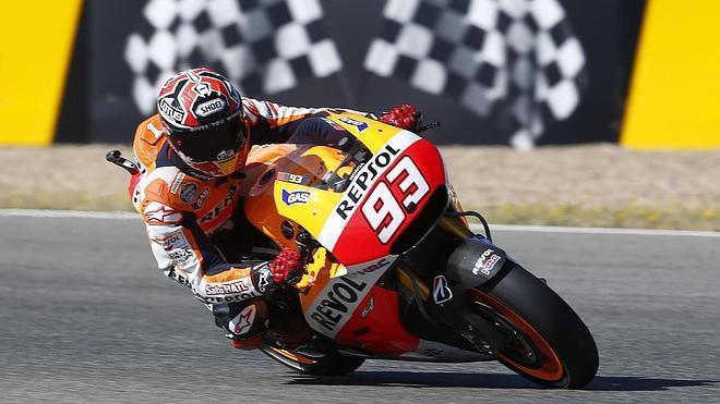 Márquez destroza el reloj en Jerez