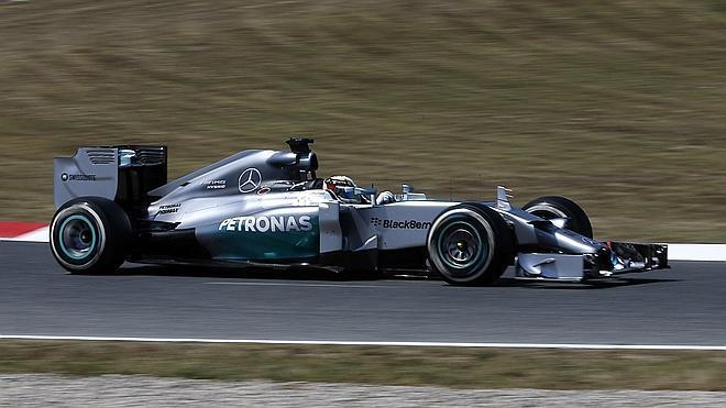 Mercedes no deja ni las migajas