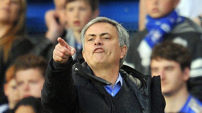 Mourinho cuestiona la elección de Luis Suárez como mejor jugador de la Premier