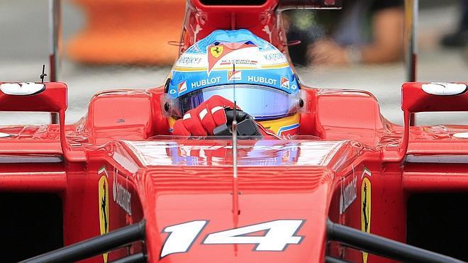 Alonso estuvo a punto de abandonar en la primera vuelta