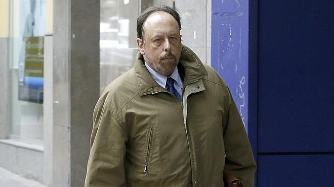 Fraga desconoce al «misterioso señor» de las seis cuentas en Suiza