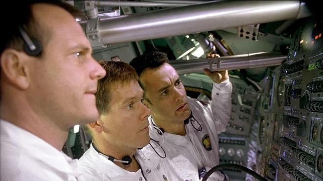 A subasta un cepillo de dientes usado por el piloto del Apolo 13