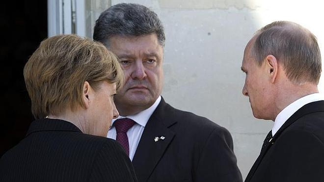 Putin y Poroshenko piden el fin de las acciones bélicas en Ucrania