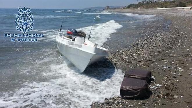 Tres detenidos en Málaga por introducir droga en la península