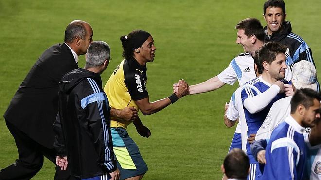 La afición brasileña se vuelca con Argentina y Leo Messi