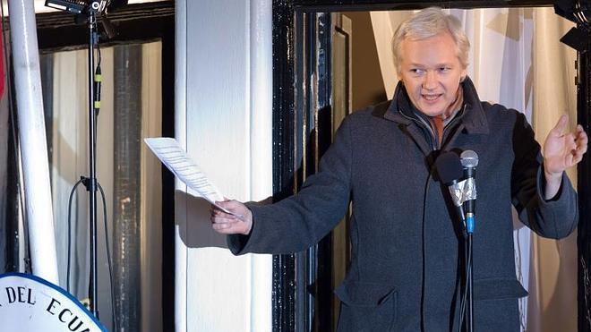 Assange insta a los gobiernos a ayudar a Snowden en su petición de asilo
