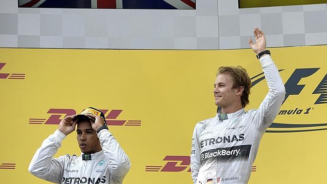 Rosberg, subido a la ola