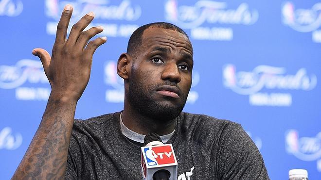 LeBron James decide ser agente libre