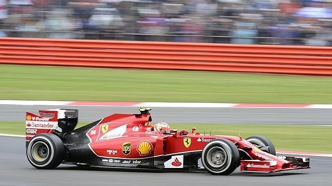 Ferrari se queda con las vergüenzas al aire