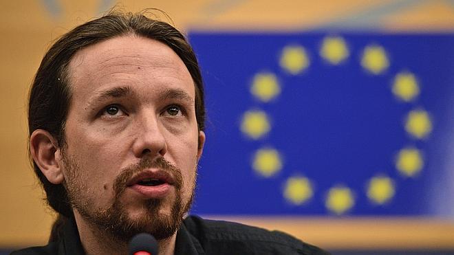 Pablo Iglesias: «El debate político izquierda-derecha es de trileros»