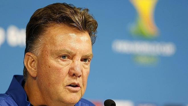 Van Gaal: «De tener un cuarto cambio hubiese vuelto a sustituir al portero»
