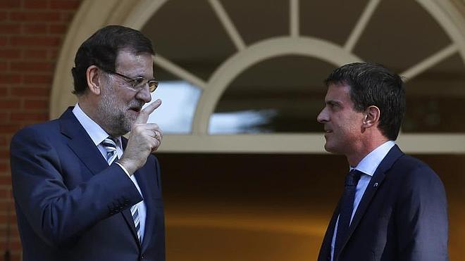 Rajoy y Valls abogan por el crecimiento y el empleo como prioridad de la UE