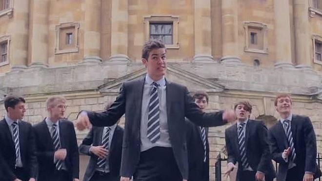 Los estudiantes de Oxford que cantan y bailan como Shakira