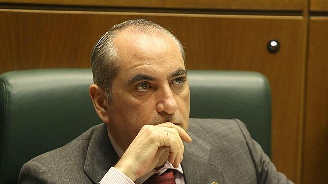 El PSE espera que el PNV «no meta a Euskadi en aventuras»