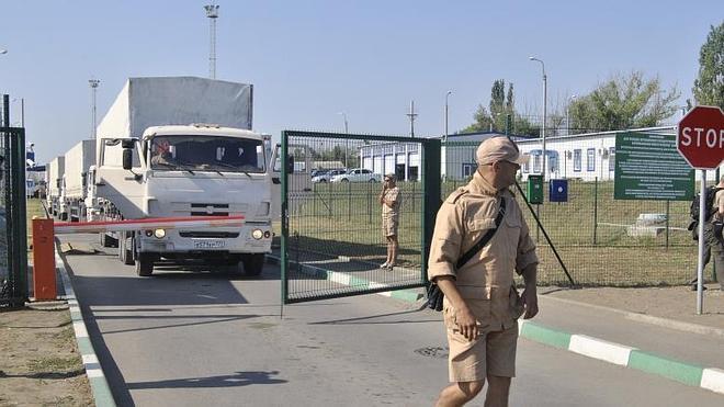 Moscú confirma el regreso del convoy que llevó ayuda humanitaria a Lugansk