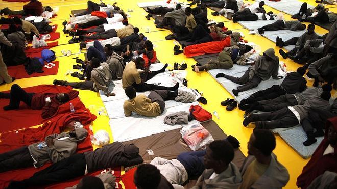 La CE anuncia una nueva operación para gestionar la inmigración