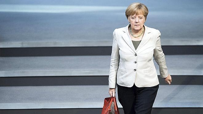 Merkel: «Si se aplica el plan de paz se podrían levantar las sanciones a Rusia»