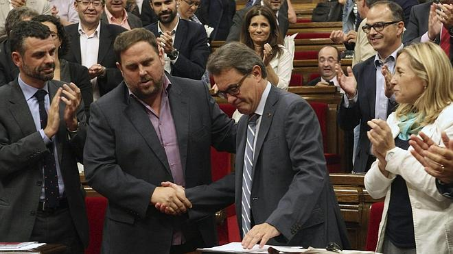Los partidos siguen el referéndum escocés con la mirada puesta en Cataluña