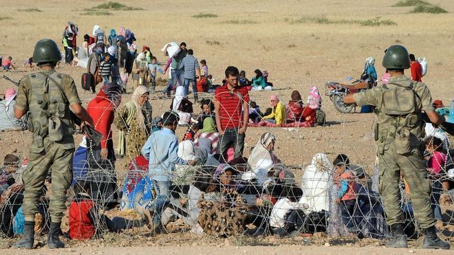 Cerca de 130.000 kurdos de Siria han huido hacia Turquía