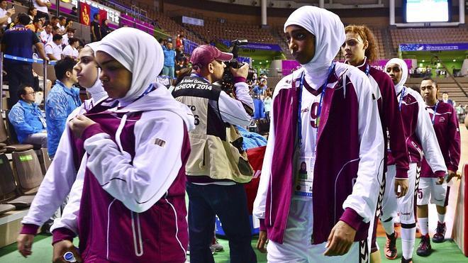 La selección femenina de Catar se niega a jugar por no poder llevar el 'hijab'