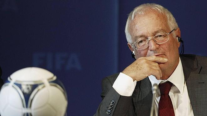 La Comisión Ética de la FIFA decidirá en noviembre sobre los Mundiales de 2018 y 2022