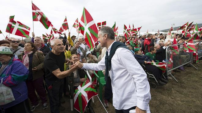 Urkullu buscará el pacto para un nuevo estatus político