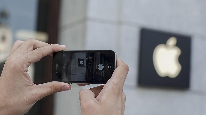 La UE acusa a Apple de beneficiarse ilegítimamente de ayuda estatal irlandesa