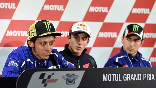 Rossi, Lorenzo y Márquez atribuyen a un «grave error» el accidente de Bianchi