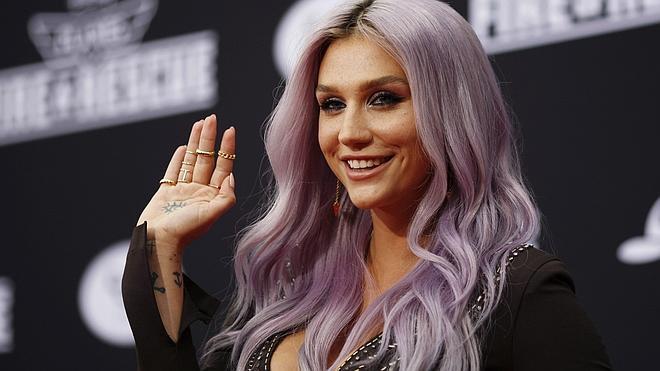 Kesha denuncia a su productor por abuso sexual y agresión