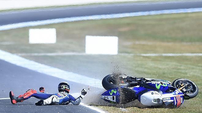 Lorenzo domina, con Márquez tercero