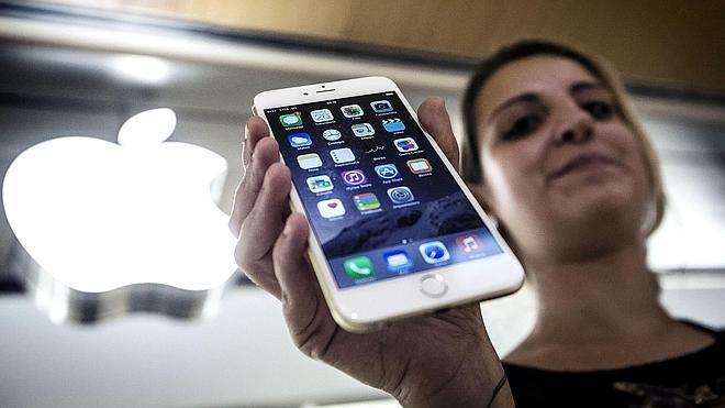 Dorado iPhone, gris iPad