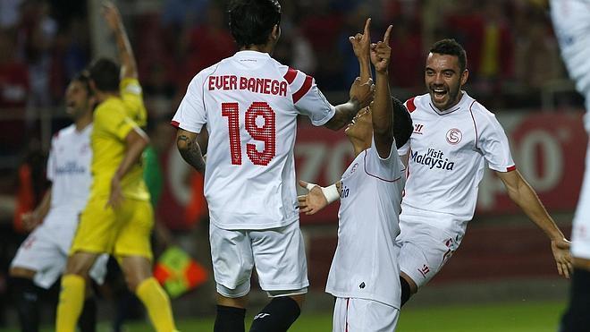 El Sevilla remonta al final y es colíder