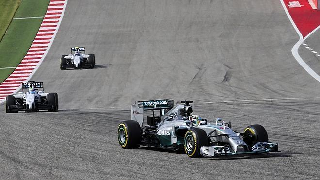 Hamilton se dispara hacia el título