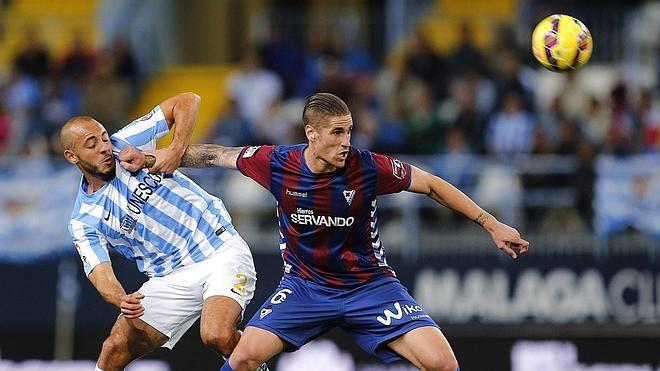 El Málaga remonta y logra su quinta victoria consecutiva