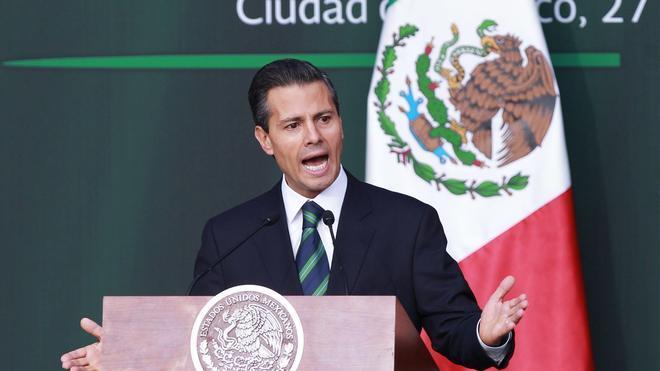 Peña Nieto cumple dos años de gobierno entre protestas y una caída de popularidad