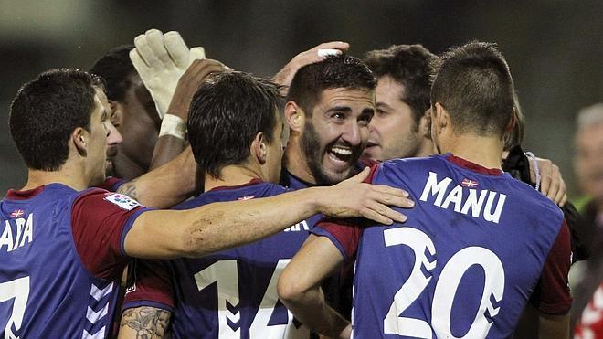 El Eibar golea al Almería en un partido espectacular