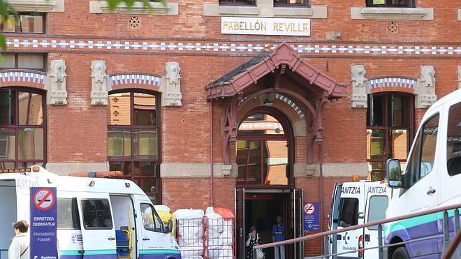 Un hombre ingresa en el Hospital de Basurto en Bilbao por un posible caso de ébola