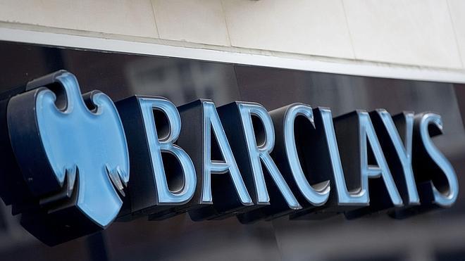 Barclays y Santander, los bancos con las comisiones más altas