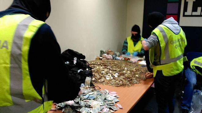 Los abogados de ETA, acusados de ocultar a Hacienda 1,3 millones de euros