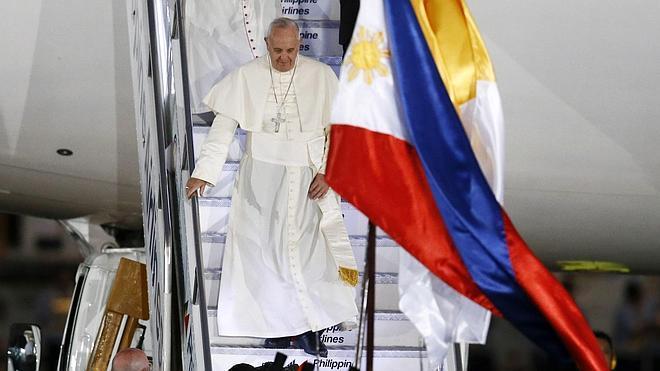 El Papa afirma que «no se puede provocar ni ofender» a la religión