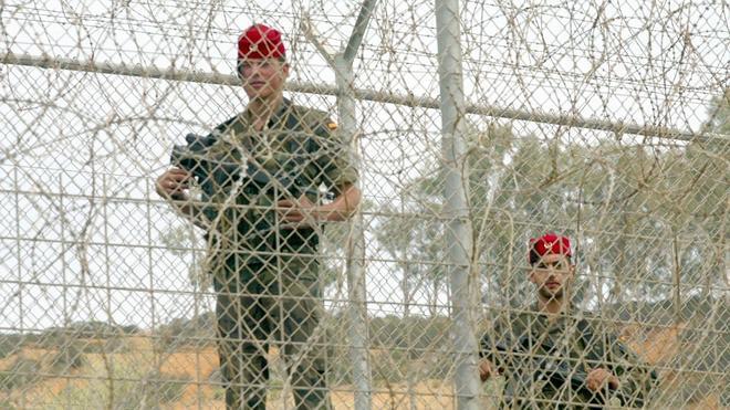 Defensa pide a los militares de Ceuta y Melilla extremar la seguridad ante la amenaza yihadista