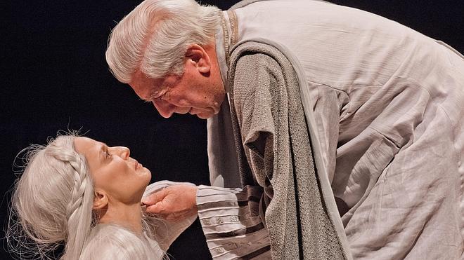 Vargas Llosa se sube a las tablas con el 'Decameron'