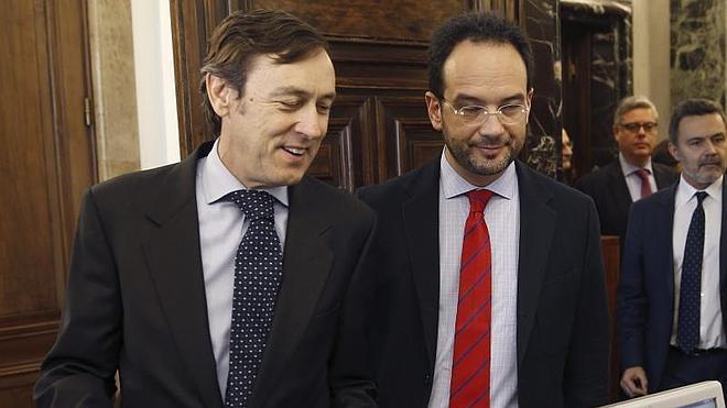 El pacto antiyihadista hace aflorar las contradicciones en el PSOE