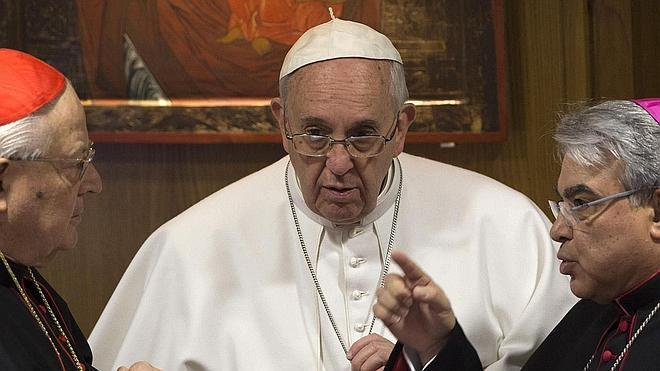 El Papa pide a los cardenales «transparencia» y «determinación» para acometer la reforma de la Curia Romana
