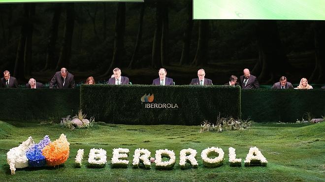 Iberdrola gana 2.326,5 millones en 2014, un 9,5% menos